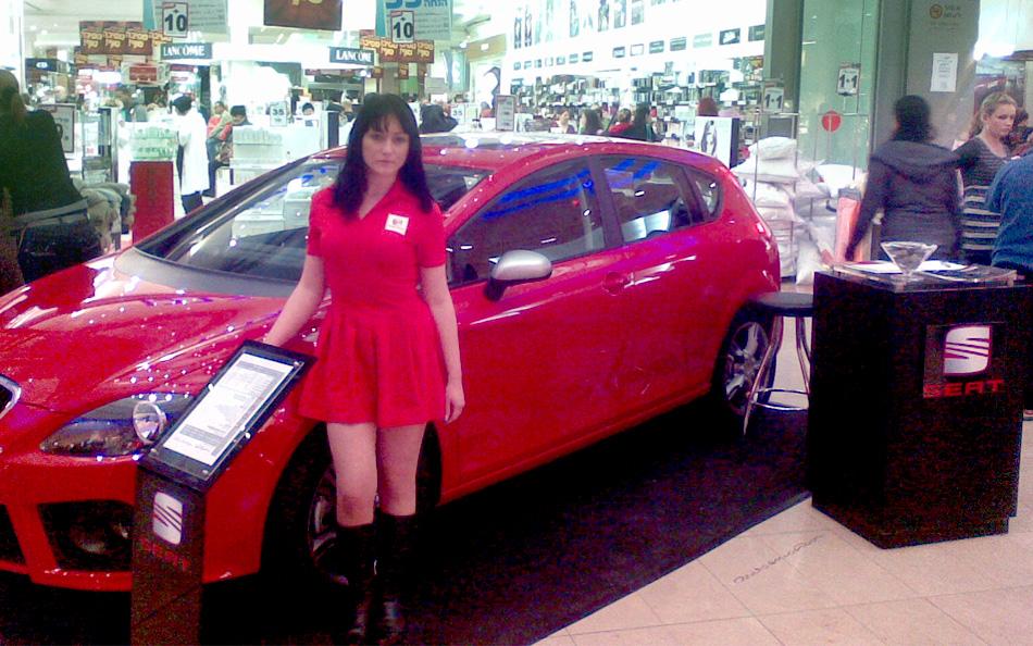 דיילות קידום מכירות ואיסוף פרטי התקשרות - רכבי סיאט
